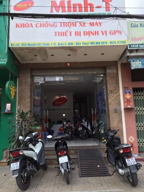 cửa hàng khóa chống trộm xe máy bằng cảm ứng