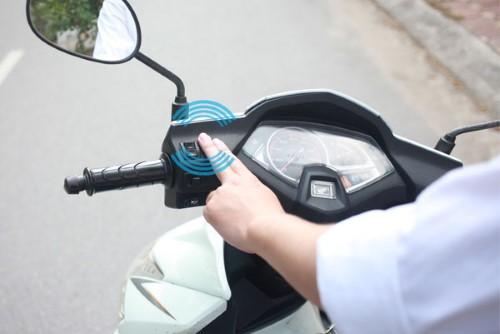 khóa chống trộm xe máy bằng chip cảm ứng